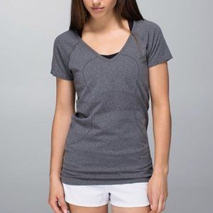 Lululemon Swiftly Tech Short Sleeve V Neck 12 Grey